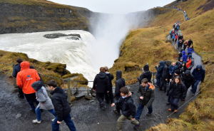 """High peak in low season, Iceland's mass-tourism boiling over"" - Artikel af Thomas Nielsen, The Independet Barrents Observer"