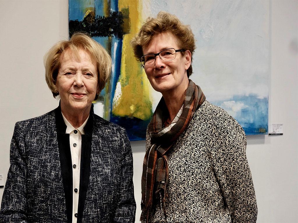Vigdis Finnbogadottir, tidligere islandsk præsident sammen med kursusleder Sigrun Stefansdottir