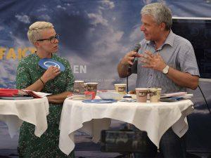 Liljan Wiehe, redaktør Kringvarp Føroya og generalsekretær Dagfinn Høybråten. Folkemødet Bornholm, debat med afsæt i bogen Den svære ytringsfrihed