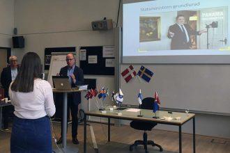 Nils Hanson, tidl. leder af Uppdrag Granskning, graverteam på SVT taler ved NJCs 60 års jubilæumsreception