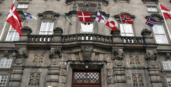 De nordiske flag foran Christiansborg i København. Foto: Søren Svendsen, Ministerråd, norden.org