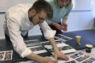 """14 unge fototalenter fra Norden og Rusland deltog i """"Next to Me"""" workshoppen. Foto: Mads Greve, lektor på Danmarks Medie og Journalisthøjskole."""