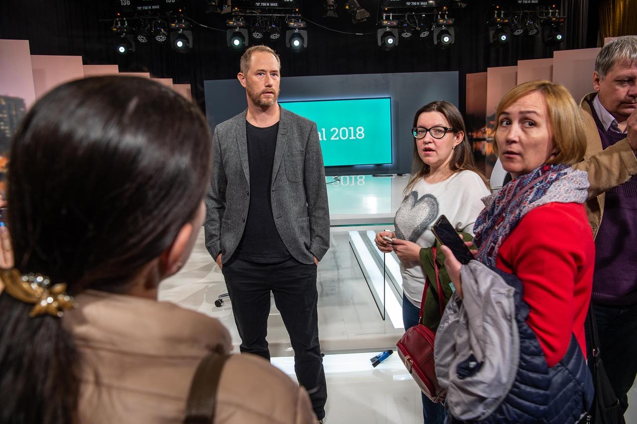 SVT Nyheter Västerbottens ansvariga utgivare Anders Bäckström och ryska deltagare Fotograf Erland Segerstedt