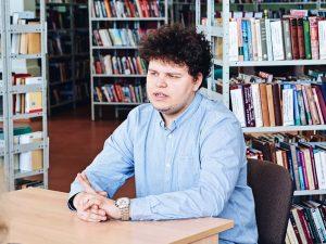 Ilya Nizovtsev (21) er fjerdeårsstudent på et jusstudium ved Det Nordlige Arktiske Føderale Universitet (heretter skrevet som NARFU) i Arkhangelsk.