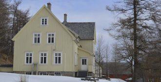 Mellemskolen i Bodø, Naboens historie