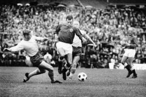 Harald Berg er den første i familien med naturtalent for fotball. Etter å ha flyttet til Oslo, spilte han for Lyn