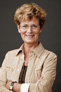 Sigrún Stefánsdóttir, Island, (Dr. i Mass Communication), journalist og underviser i journalistik ved Universitetet i Akureyri